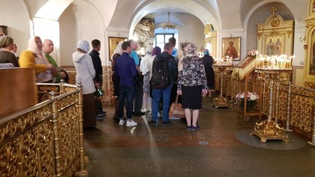 Покровский храм внутри