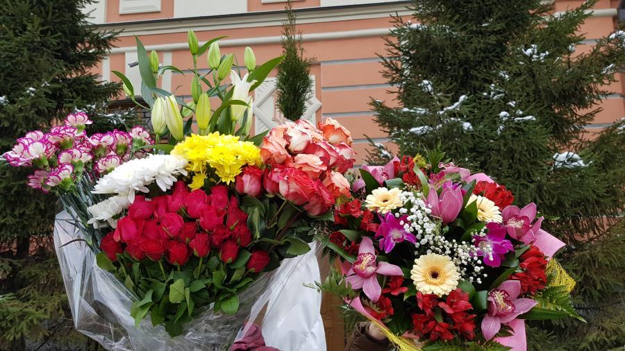 Два букета цветов для святой Матронушки!