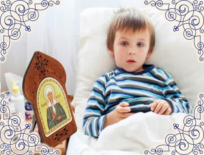 Икона блаженной Матроны Московской на столе