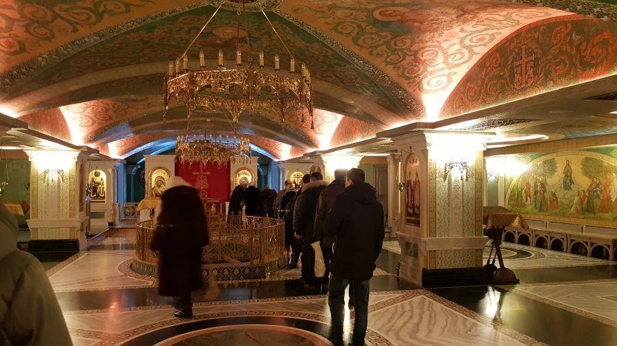 На исповеди в Сретенском монастыре