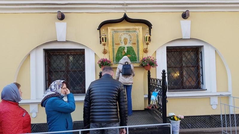 Пред чудотворной иконой Матушки